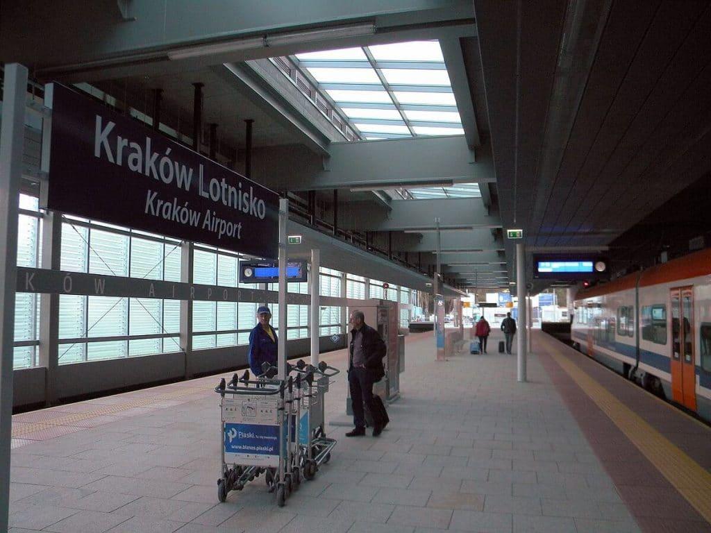 transporte-na-cracovia-train-airport